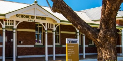 The front of the Curtin Kalgoorlie campus
